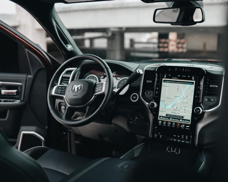 intérieur de voiture avec gps intégré